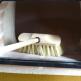 Cepillo limpiador para hornos de leña